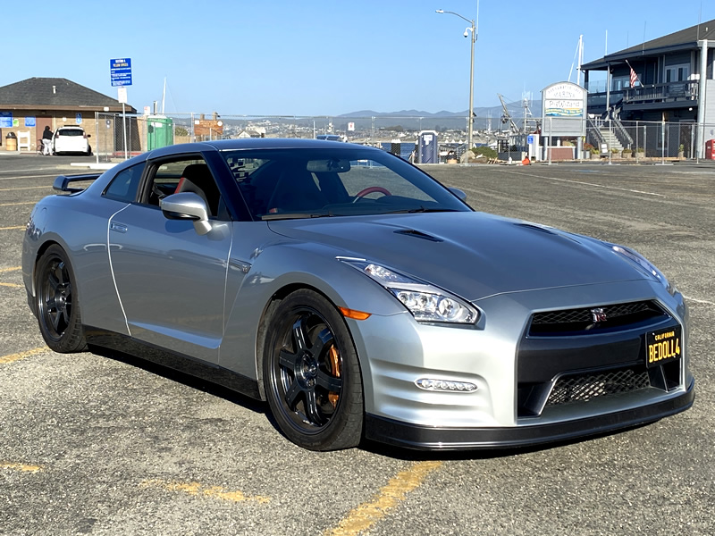 Chuy's 2015 Nissan GT-R